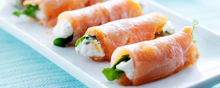 Antipasto di Natale: Rotolini di salmone con verdure